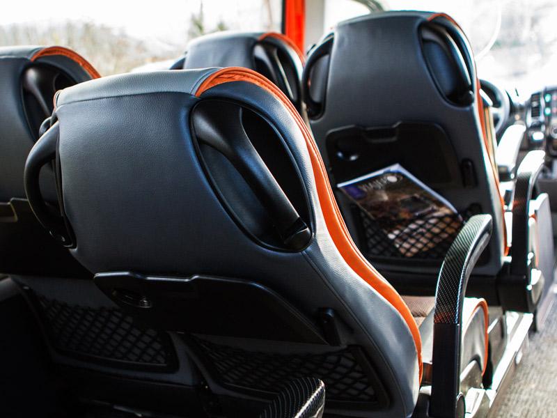 minibus4